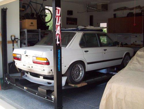 1988 BMW 520e Body